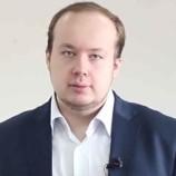 Соратник Навального Албуров рассказал о ночном угоне машины