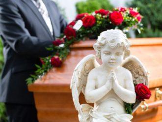 Траурный этикет: от траурных венков до соболезнований